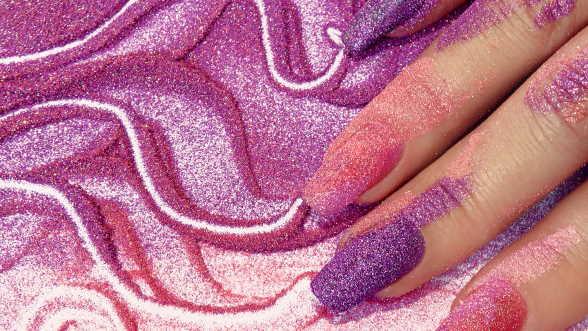 powder manicure